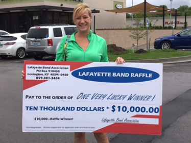 Kelly wins $10,000 raffle